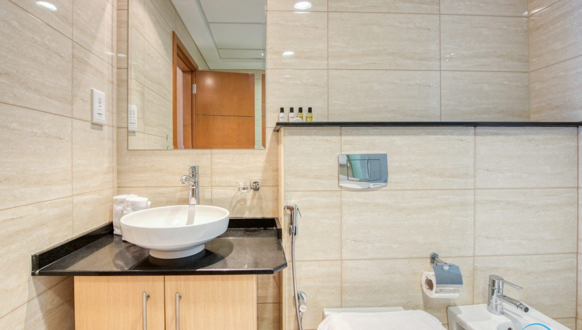 Apartment available for short term rent in Dubai